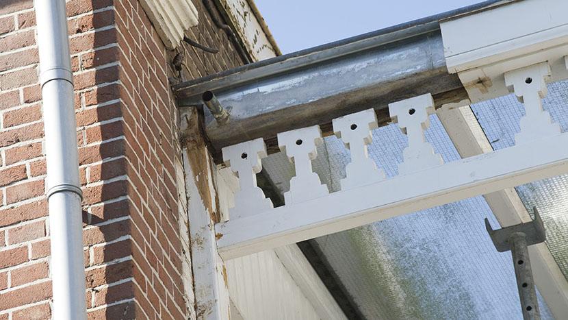 restauratie regenwaterafvoer met ornamenten prinsevinkenpark