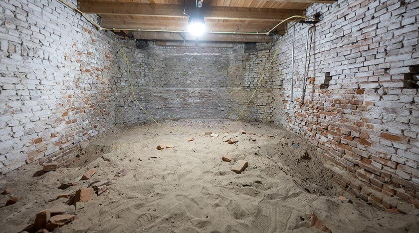 Gentsestraat 151 ongebruikte kelderruimte onder woonkamer